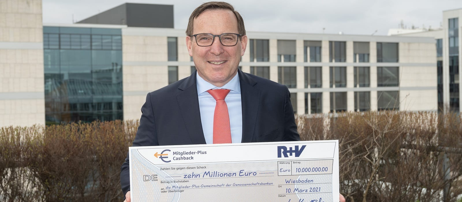R+V premium refund - March 2021