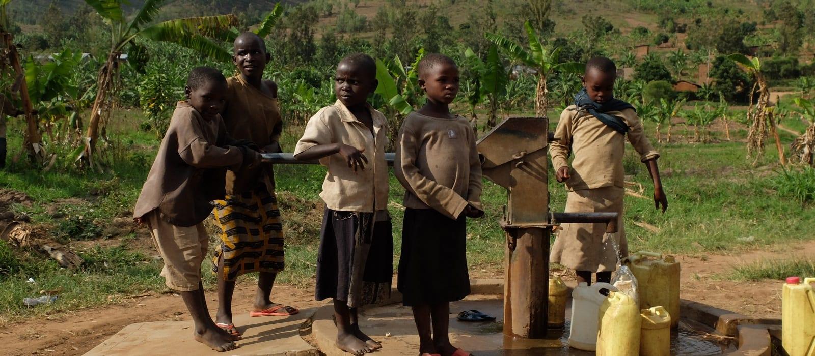 Simplyhealth - Carbon neutral - Uganda Borehole Project